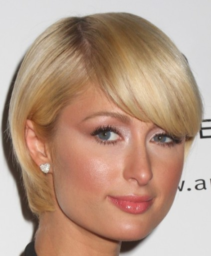 Paris Hilton's Blonde Hair In Short Straight Cropped Mature Hairstyle