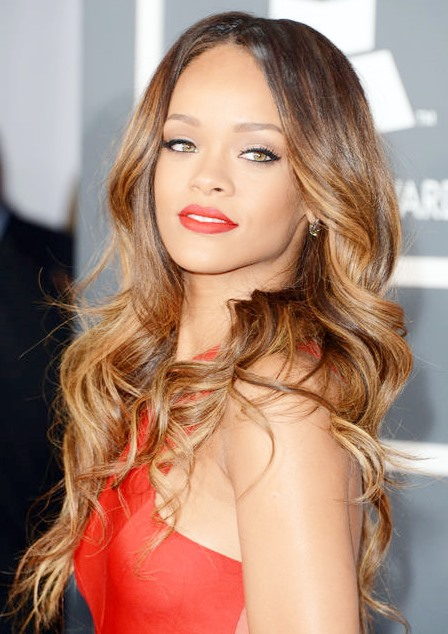 Rihanna Gorgeous Long And Wavy Ombre Hairstyle With Soft Loose Waves