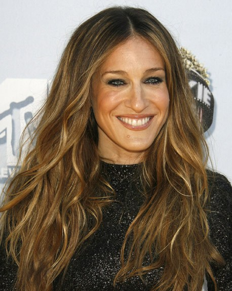 Sarah Jessica Parker Long Brown Blonde Highlighted Loose Wavy Hairstyle