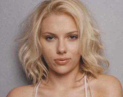 Scarlett Johansson Fine Blonde Hair In Medium Wavy Bob Hairstyle