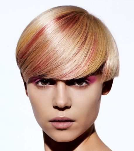 Short Straight Blonde Hair With Red Highlights For Fall