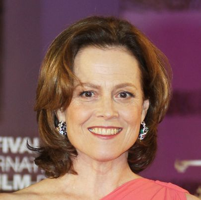Sigourney Weaver's Brunette Layered Medium-Length Hair In Formal Hairstyle