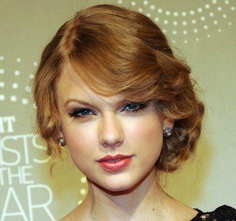 Taylor Swift's Long Auburn Hair In Loose Curly Romantic Updo